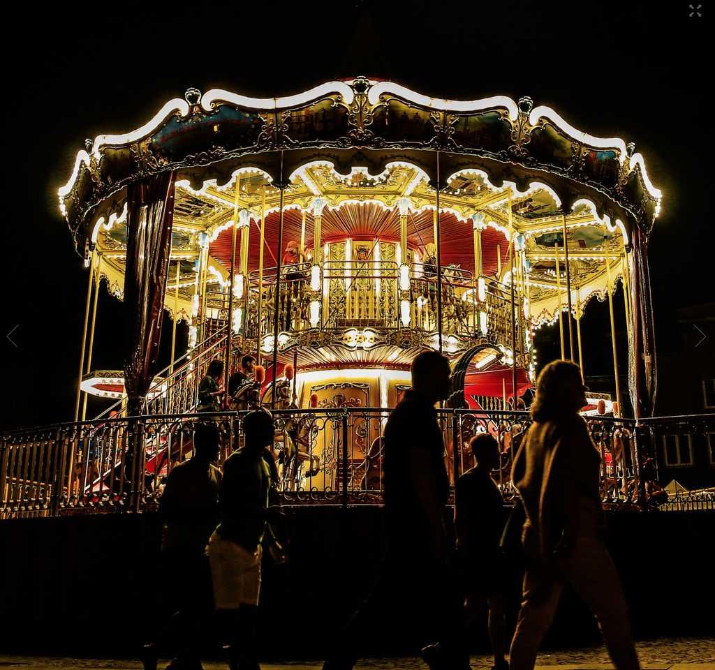 Den tvåvåniga karusellen på Gdansk julmarknad.